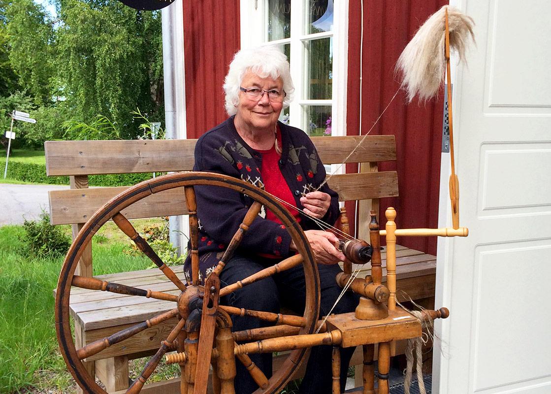 Tant Vanjas Textilmuseum ligger i närheten av Kroppefjäll Bed & Breakfast i Dals Rostock, Melleruds kommun, Dalsland.
