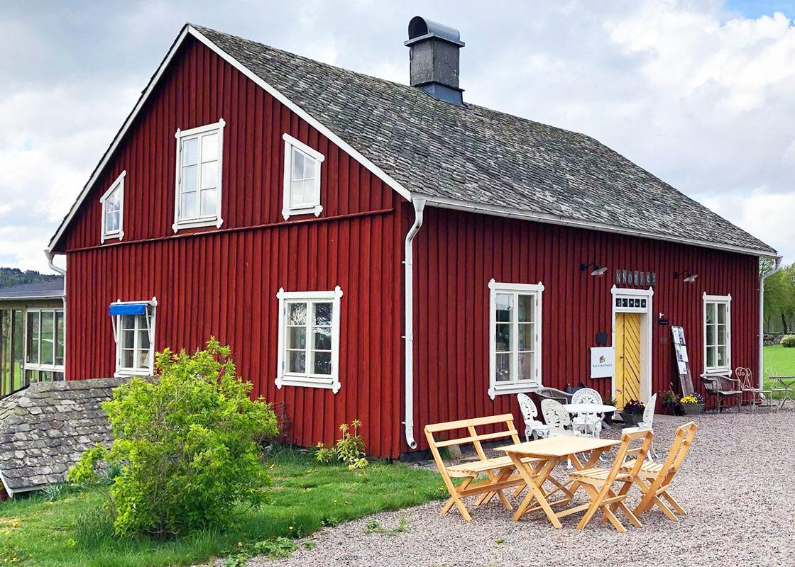 Ekholmens Café och Gårdsbutik ligger i närheten av Kroppefjäll Bed & Brekfast i Dals Rostock, Melleruds Kommun, Dalsland.
